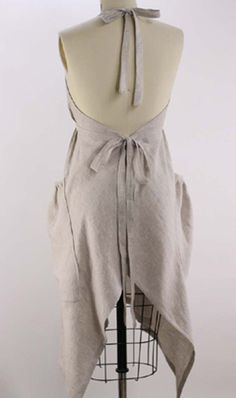 - Hippy Apron in Oatmeal Linen Apron Dress Dress Patterns, Sewing Patterns, Apron Patterns, Shirt Patterns, Clothes Patterns, Formation Couture, Aprons Vintage, Retro Apron, Sewing Aprons