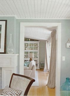 Love the airy feel of the colors