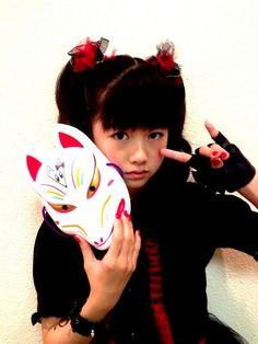 """rosamour:  (via Twitter @BABYMETAL_JAPAN)…"