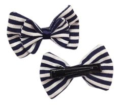 Navy blue and white striped fabric hair bows on alligator clips- www.dreambows.co.uk #stripedfabric #fabricbows #hairbows #qualityhairbows