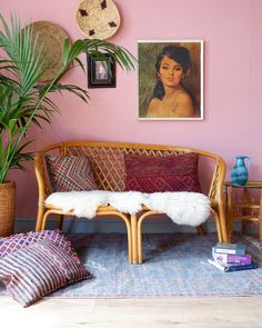 Vintage boho bamboo sofa - All About Indoor Wicker Furniture, Bamboo Furniture, Wicker Sofa, Sofa Chair, Chair Cushions, Rattan, Boho Living Room, Living Room Sofa, Living Room Furniture