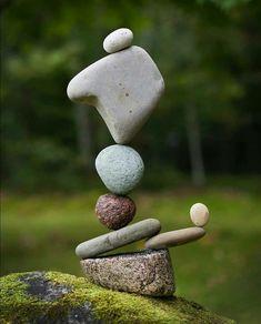 Rock Sculpture, Stone Sculptures, Stone Balancing, Drawing Rocks, Stone Cairns, Balance Art, Stone Crafts, Rock Design, Still Life Art