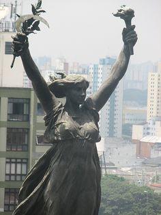 """""""Glória Imortal aos Fundadores de São Paulo"""" Amadeo Zani, via Flickr."""