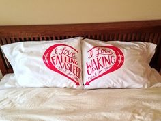 Obsessed with this pillow case set
