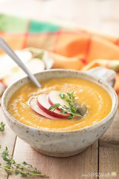 How does a comforting bowl of Butternut Squash Apple soup sound?  It is super creamy, flavorable and a bit spicy!