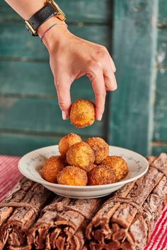 Zeppole - az igazi olasz burgonyafánk | Street Kitchen Gourmet Recipes, Dog Food Recipes, Cake Recipes, Healthy Recipes, Cooking Cake, Arancini, Beignets, Winter Food, Food Print