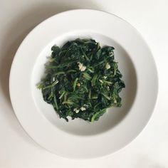 Calzone, Seaweed Salad, Palak Paneer, Food And Drink, Menu, Ethnic Recipes, Pizza, Health, Menu Board Design