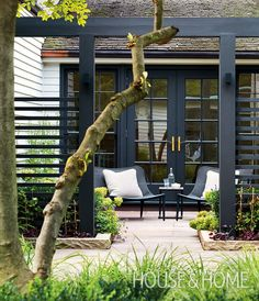 "Best Outdoor Design Ideas From House & Home Create cozy outdoor ""rooms."" Slatted dividing walls create an intimate patio for two in this large city backyard, while letting summer breezes — and garden views — come through. Backyard Patio Designs, Small Backyard Landscaping, Pergola Patio, Cozy Backyard, Patio Ideas, Backyard Ideas, Garden Ideas, Pergola Kits, Landscaping Ideas"