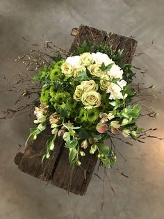 Funeral, Diy And Crafts, Floral Wreath, Wreaths, Memories, Flowers, Home Decor, Crochet Bags, Plants