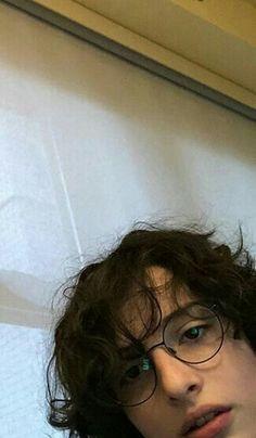 Finn with glasses os my world ♡♡♡♡♡♡ Jack Finn, Finn Stranger Things, Future Boyfriend, Celebrity Crush, Husband, Idol, People, Goldfinch, Craft Ideas