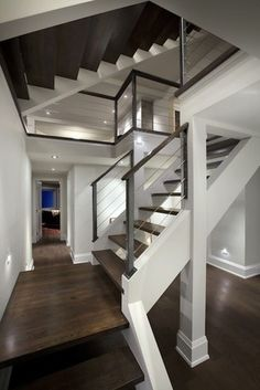 40 Exceptional Floating Staircase Design Ideas To Looks Dazzling #staircase #staircasedesign #staircaseideas