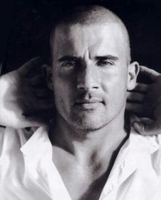 Domonic Purcell - one of the best reasons to watch prison break Dominic Purcell, Gorgeous Men, Beautiful People, Beautiful Images, Anita Blake, Star Wars, Raining Men, Height And Weight, Movies