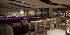 #Contract #Moderno #Restaurante #Sillas #Mesas de comedor #Lamparas #Sofas #Arboles