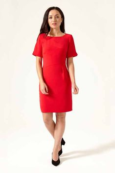 Shop petite Artio panel shift dress in red by Jennifer Anne. Discover premium petite dresses at Bomb Petite. Petite Outfits, Petite Dresses, Trendy Outfits, Petite Fashion, Womens Fashion, Cheap Fashion, Latest Fashion, Flora Dress, Panel Dress