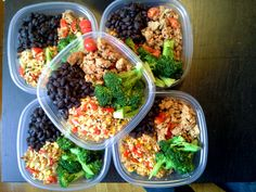 A very colorful, Southwestern style, meal prep! Black beans, sauteed ground turkey and tomatoes, steamed broccoli and brown rice with corn, red peppers, green onions and cilantro.  Follow us on Instagram: @mybodymykitchen