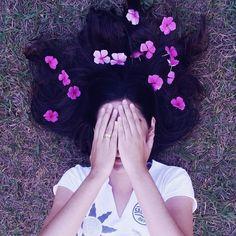 """1,852 curtidas, 53 comentários - N i c o l e  V i e i r a 🌸 (@heynicolev) no Instagram: """"Talvez o meu mundo seja feito de flores, talvez tudo que eu veja seja na forma de uma flor. 🌸"""""""