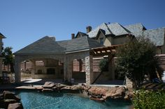 Fort_Worth_l-shaped_covered_patio_with_pergola