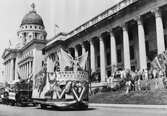 A parade near the Municipal Building   This Was Singapore Before Lee Kuan Yew Transformed It