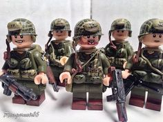 When it comes to making WWII Custom Minifigures has a fantastic collection including British, American and Germans. Lego Custom Minifigures, Lego Minifigs, Lego Ww2, Lego Guns, Lego Police, All Lego, Cool Lego Creations, Lego Projects, Custom Lego