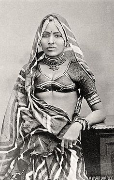 Vintage Blouse Designs and One Wild Striped Saree, vintage sarees, saree history, saree blouse design, indian blouse online Vintage India, Victor Hugo, Vintage Photographs, Vintage Photos, Mother India, History Of India, Female Photographers, Blouse Vintage, Saree Blouse Designs