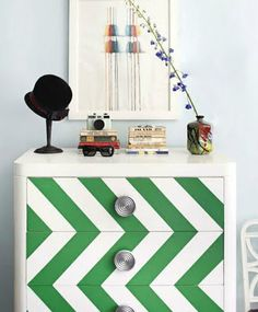 The chevron craze - even sideways in kelly green and white