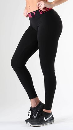 Fit Leggings in Black/Rose are form hugging and figure flattering gym leggings. With the on trend, Gymshark performance waistband.