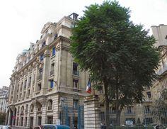 Hôtels de La Salle et de Cambacérès. Immeuble de la rue de      Montalembert