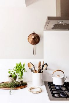 Simple, organic kitchen counter styling.