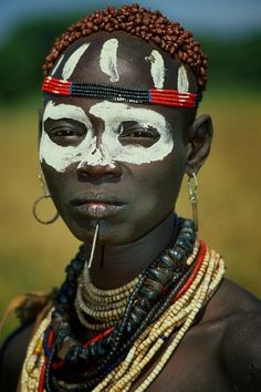 The Karo (or Kara), with a population of about 1000 - 1500 live on the east banks of the Omo River in south Ethiopia.