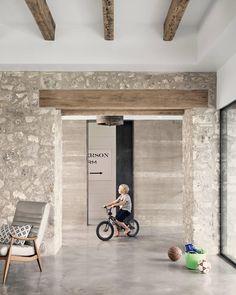 Farmhouse by Shiflet Group Architects