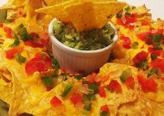 Guacamole (avokádókrém) és Nachos 🇲🇽 | Sabino receptje - Cookpad receptek Nachos, Guacamole, Thing 1, Tortilla Chips, Cheddar, Mexican, Ethnic Recipes, Food, Cheddar Cheese