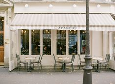 Acanthe Cafe in Paris France | photography by http://brittanymahood.com