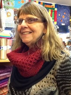 Ruthie knit this cowl in Filatura di crosa Charly. The pattern is from the October 2014 Canadian Living.