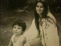Beautiful Cherokee woman & child Cherokee Indian Women, Cherokee Indians, Native American Cherokee, Cherokee Woman, Native American Girls, Native American Wisdom, Native American Pictures, Cherokee Nation, Native American Beauty