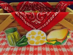 Fun with Friends at Storytime: Picnic time! Flannel Board Stories, Flannel Boards, Picnic Pictures, Picnic Theme, Education And Literacy, Flannel Friday, Edible Crafts, Finger Plays, Food Themes