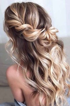 Wedding Hairstyles Half Up Half Down Easy To Do Half Up Hairstyles Twisted Blonde Highlights Prom Hairstyles For Long Hair, Homecoming Hairstyles, Bride Hairstyles, Hairstyle Ideas, Trendy Hairstyles, Hairstyles Haircuts, Hairstyles For Dances, Half Up Hairstyles Easy, Boho Hairstyles Medium
