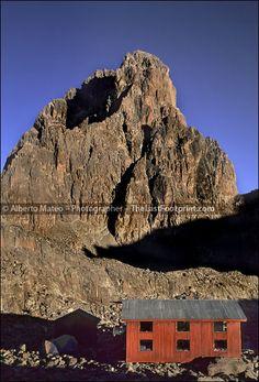 ツツツ  By Alberto Mateo, Travel Photographer. Austrian Hut and Bathian, Mount Kenya National Park.