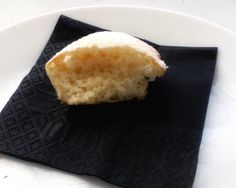 Los ví ayer en el blog deToñi : Florelila, recetas y aficiones, la receta es la misma que me pasaron hace dos años para hacer esteCake, Pero me gustaron así pequeñitos y hoy los he hecho a primer…