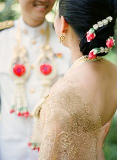 Thai wedding -- the Thai wedding dress and hair style. Photography by : Kallie Brynn Photography.