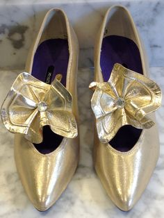 Gold Lame Shoe with a Gold and Rhinestone by newgenerationvintage, $39.99