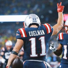 Check out all our New England Patriots merchandise! New England Patriots Merchandise, New England Patriots Football, New York Yankees, Julian Edelman, Sport Football, Football Players, College Football, Soccer Jerseys, Nfl Uniforms