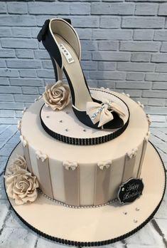Sugar Shoe by Lorraine Yarnold