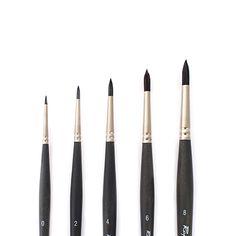 Les pinceaux en fibres synthétiques offrent une grande capacité de réserve de couleur et ils sont parfaits pour le travail de précision et de détails. Ils sont utilisés autant par les artistes que par les graphistes, les retoucheurs et les restaurateurs professionnels.