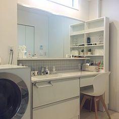 女性で、Bathroom/観葉植物/無印良品/IKEA/タイル/パナソニック/boconcept/Panasonic/LIXILタイル/キューブルについてのインテリア実例。 「かなりお気に入りの場...」 (2017-01-05 14:55:50に共有されました) Stacked Washer Dryer, Washer And Dryer, Washroom, Ideal Home, Washing Machine, Laundry, Home Appliances, Storage, Interior
