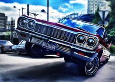 Chevrolet en goguette à Courbevoie Lowrider, Aztecas Art, Polo Lacoste, Hydraulic Cars, Chevy Impala, France, Dodge Charger, Cadillac, Ford Mustang