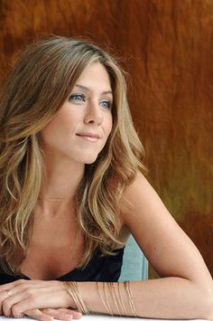 Check out production photos, hot pictures, movie images of Jennifer Aniston and more from Rotten Tomatoes' celebrity gallery! Jennifer Aniston Legs, Jennifer Aniston Pictures, Nancy Dow, Hollywood, Jeniffer Aniston, John Aniston, Rachel Green, Celebs, Celebrities