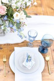 See Why This French Inspired Shower is Extra Sweet - La Tavola Fine Linen Rental: Aurora White Table Runner with Essex Powder Blue Napkins Boy Baby Shower Themes, Baby Shower Parties, Baby Boy Shower, Baby Shower Decorations, Baby Shower Photography, Garden Baby Showers, Baby Shower Napkins, Spring Party, Wedding Reception Decorations