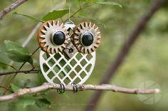 Focus on Art Kitchen Owl  'Corky' –– Kitchen Owls Series #0467 **AUD$45 + P   Handmade. One-off. 8cm  www.facebook.com/focusonart Recycled Garden Art, Recycled Crafts, Owl Pet, Owl Pictures, Bird Crafts, Junk Art, Iron Art, Owl Bird, Metal Artwork