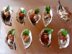 Raw Oysters with a Spicy Bloody Mary Sorbet- My two favorite things in the world mixed Shellfish Recipes, Seafood Recipes, Yummy Appetizers, Appetizer Recipes, Raw Oysters, Oyster Recipes, Margarita Recipes, Looks Yummy, Bloody Mary