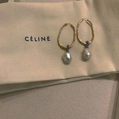 *:・゚✧ @chic0f0rever *:・゚✧ Summer Accessories, Fashion Accessories, Fashion Jewelry, Jewelry Accessories, Jewelry Box, Gold Jewelry, Easy Style, Bracelets, Celine Earrings